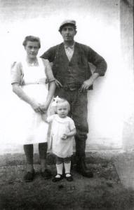 Alfred, Dagmar og Hanne Larsen 1945-46